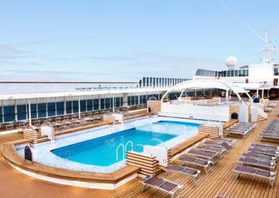 armonia-entertainment-pool-area