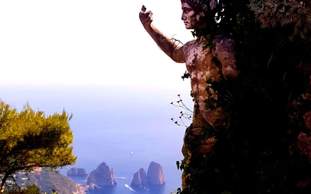 """Crociera a Capri   """"L'isola azzurra"""""""
